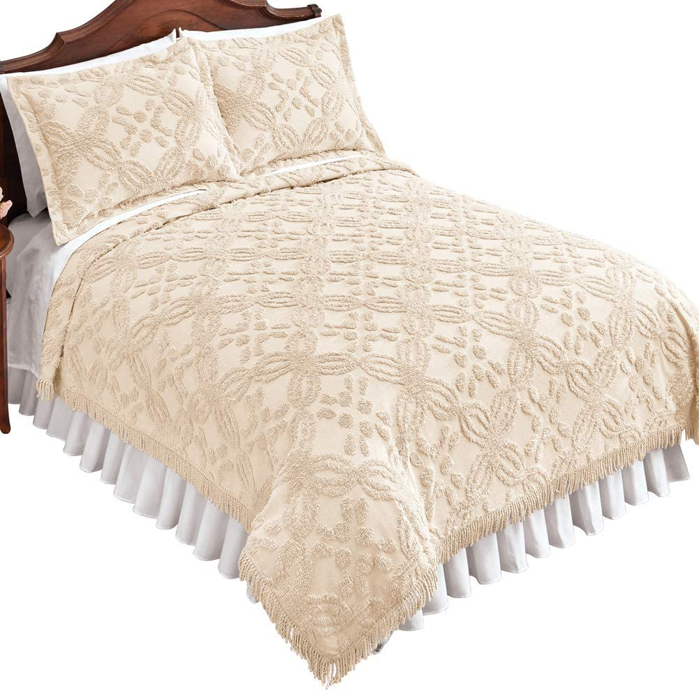 Features Intricate Tufted Texture Lovely Fringe Border Full//Queen Twin Machine Washable Cotton Double Lattice Design Carrie Chenille Coverlet Dimensional Details King