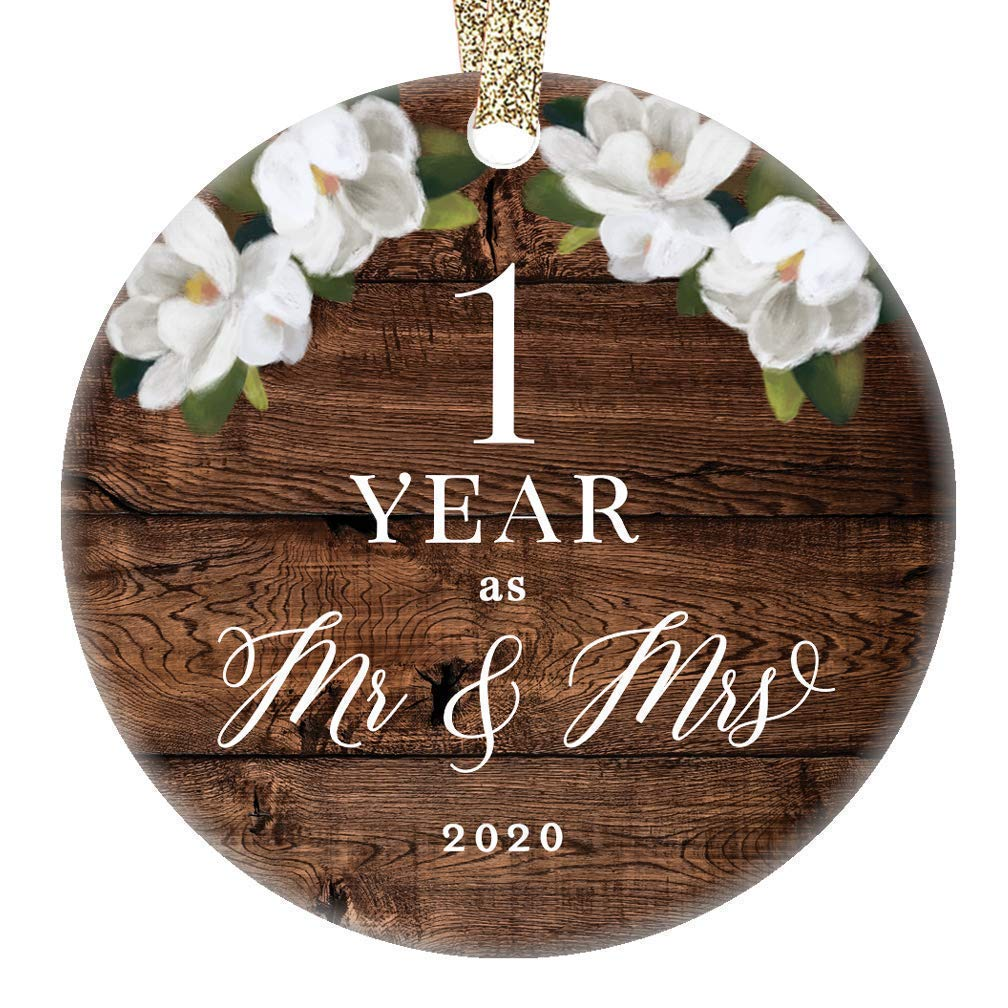 Amazon Com First 1st Wedding Anniversary 2020 Christmas Tree Ornament One Year Together Husband Wife Married Couple Pretty Rustic Ceramic Collectible Keepsake Gift 3 Flat Porcelain With Gold Ribbon Free Box