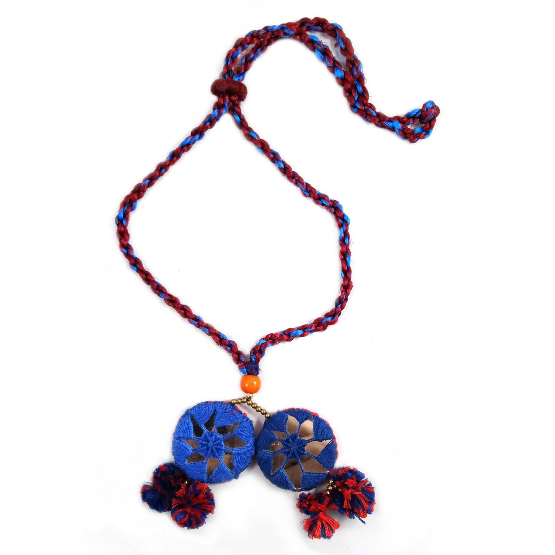 4a386da5f7df Collar con colgante de ganchillo redondo de gran tamaño bohemio hecho a  mano con borla y