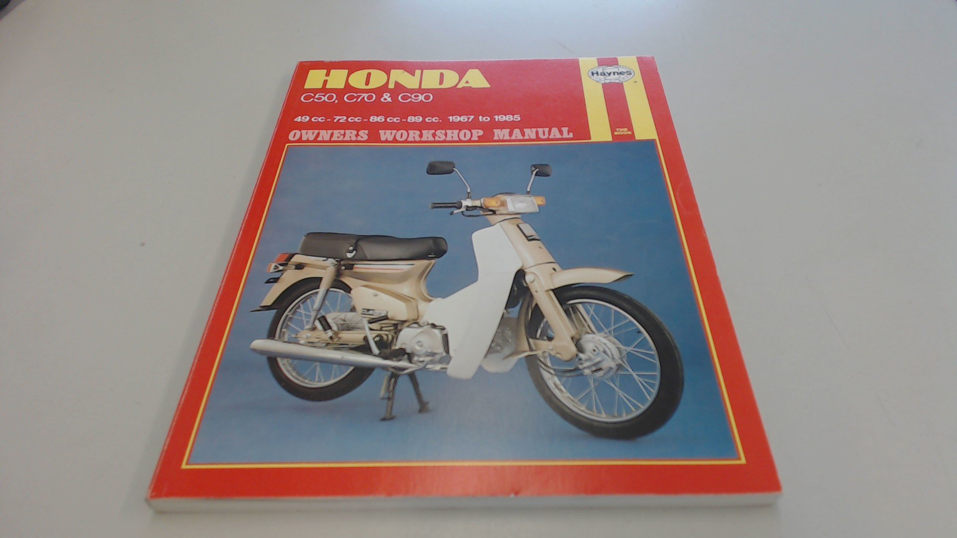 Honda C50, C70 and C90 Owner's Workshop Manual: Amazon.co.uk: Mansur  Darlington, Mervyn Bleach, Jeremy Churchill: 9781850102120: Books