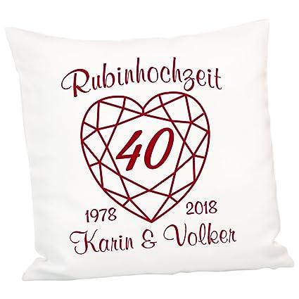 Geschenke 24 Kissen Zur Rubinhochzeit Persönliches Zierkissen Zum 40 Hochzeitstag Deko Kissen Mit Zwei Namen Und Zwei Jahreszahlen Personalisiert
