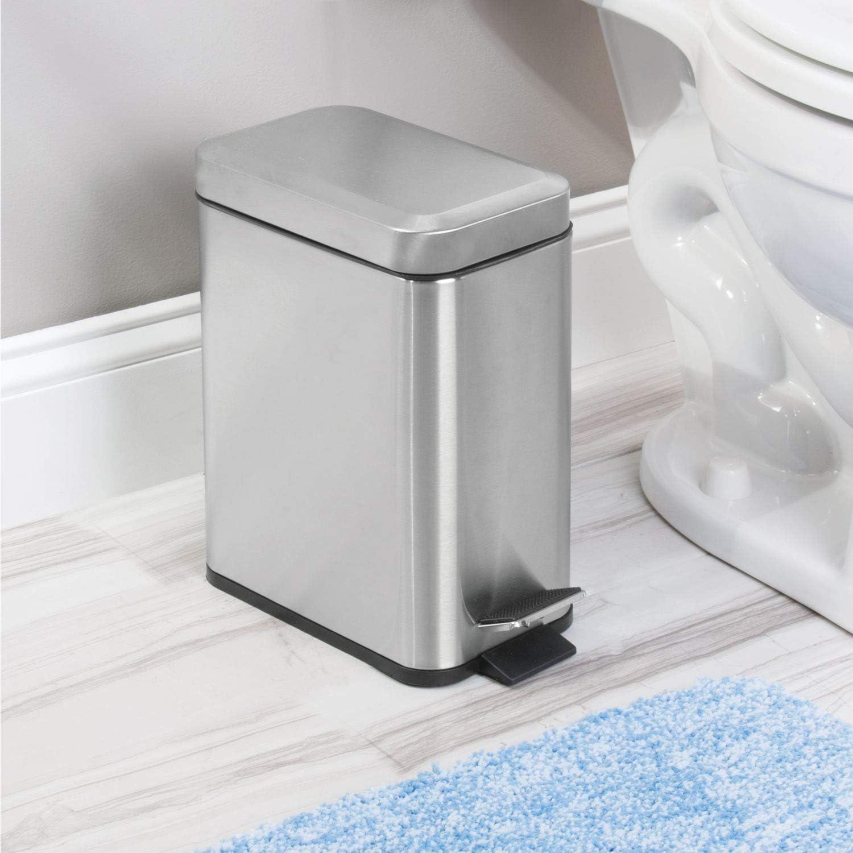 papelera con pedal y tapa en pl/ástico y acero inoxidable para cocina y cuarto de ba/ño InterDesign Basic Bote para basura plateado mate