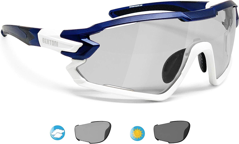 BERTONI Gafas Ciclismo Running MTB Esquí Tennis Padel Polaridas Fotocromaticas mod. Quasar (Azul-Blanco/Fotocromaticas Polarizadas): Amazon.es: Ropa y accesorios
