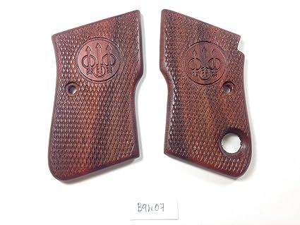 Amazon com : Beretta 950 950B 950BS  22 Short  25 ACP Grips grips