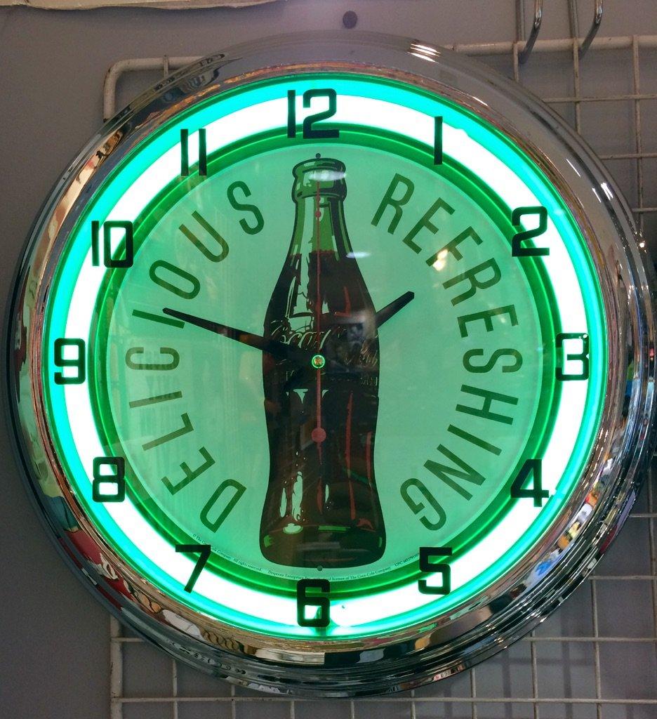 ネオン時計☆NEON CLOCK【Coca Cola Delicious Refreshing】 コカコーラ アメリカ雑貨 掛け時計 B00W3FZ0NC