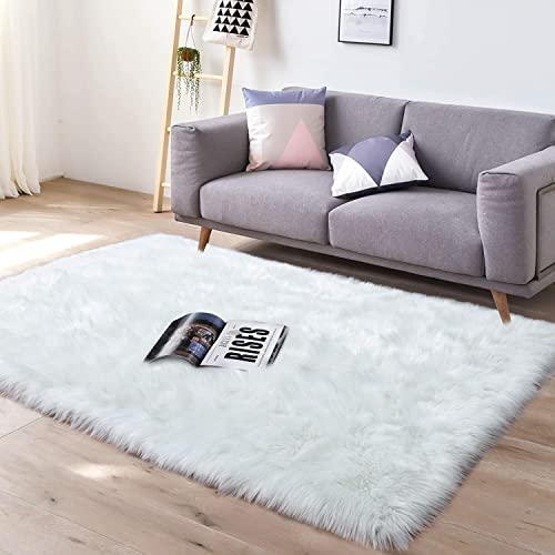 YJ.GWL Super Soft Faux Sheepskin Fur Area Rugs for Bedroom Floor Shaggy Plush Carpet Faux Fur Rug Bedside Rugs, 4 x 6 Feet Rectangle White