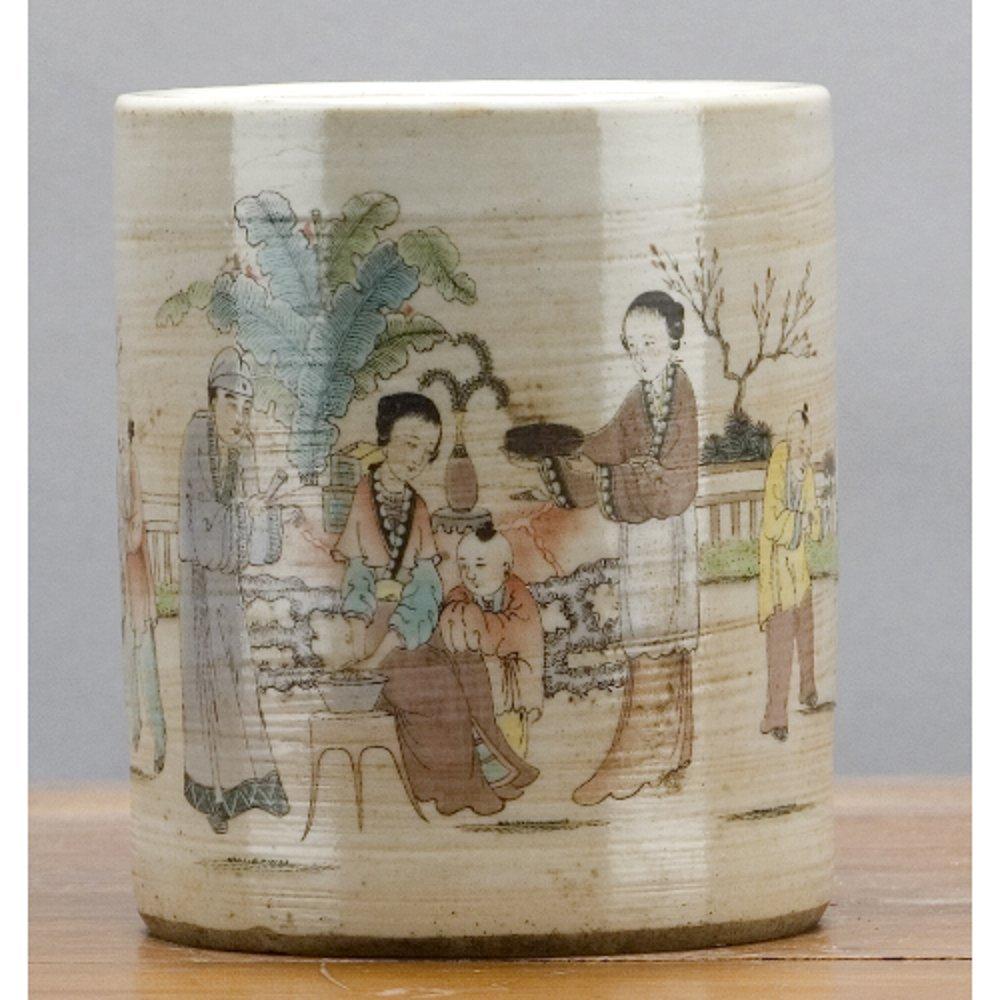 Home decor. Set of 2 Oriental Porcelain Penholder /Vase. Dimension: 4 x 4 x 5. Pattern: Color Classic.