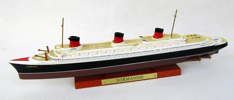 FRANCE Ocean Liner Schiffsmodell Maßstab 1:1250 Fertigmodell Die-Cast Metall