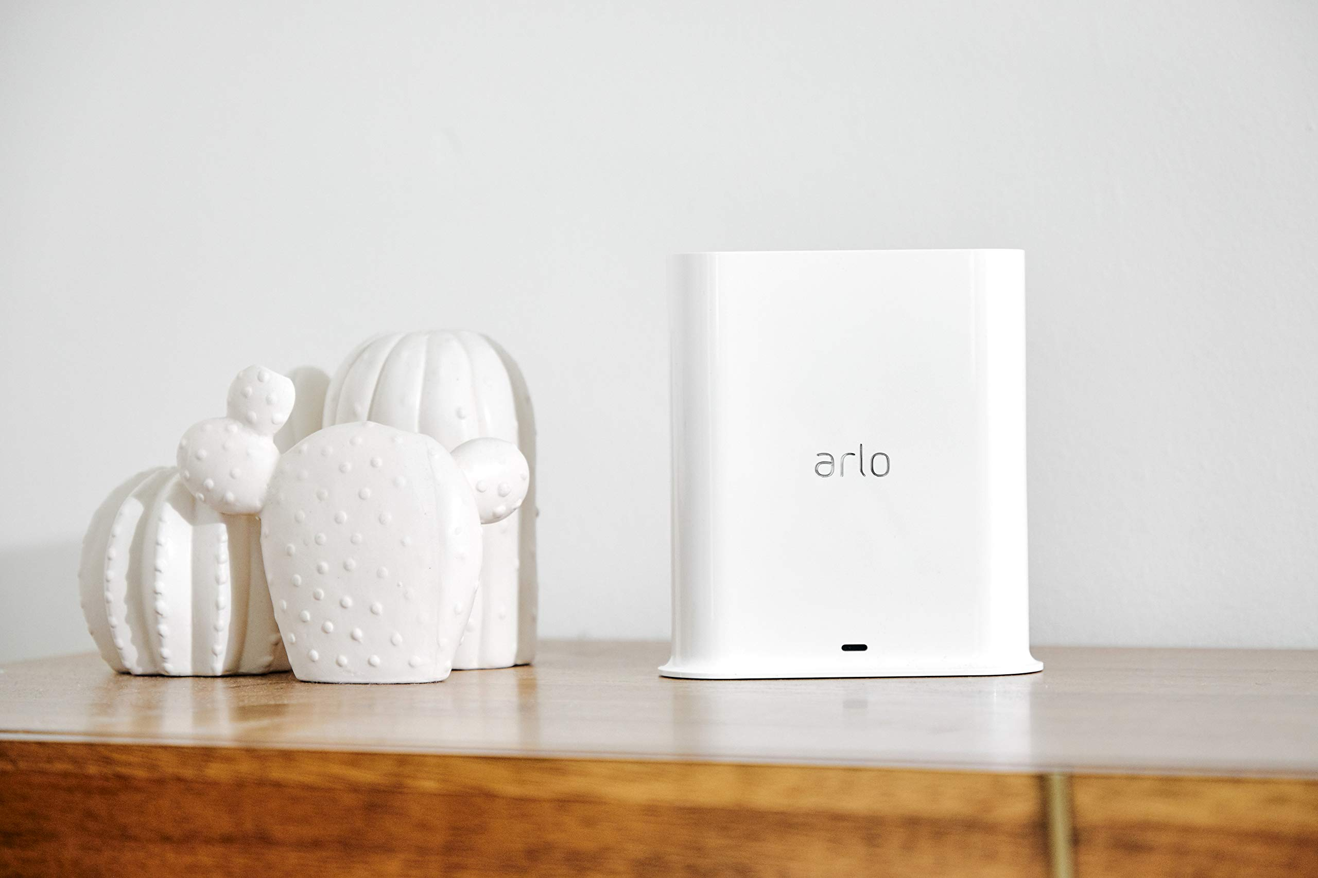Arlo Accessory - Smart Hub | Build Our Your Own Arlo Kit | Compatible with Ultra, Pro, and Pro 2 Cameras | (VMB5000) by Arlo Technologies, Inc