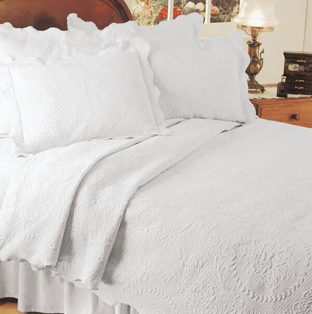 Europa Fine Linens English Rose Matelasse Coverlet,Full/Queen,White