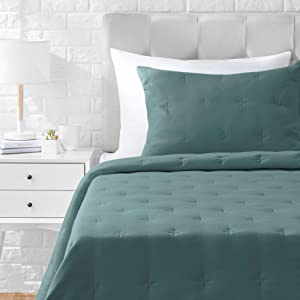 AmazonBasics Tufted Stitch Comforter Set - Premium, Soft, Easy-Wash Microfiber - Twin/Twin XL, Emerald Green
