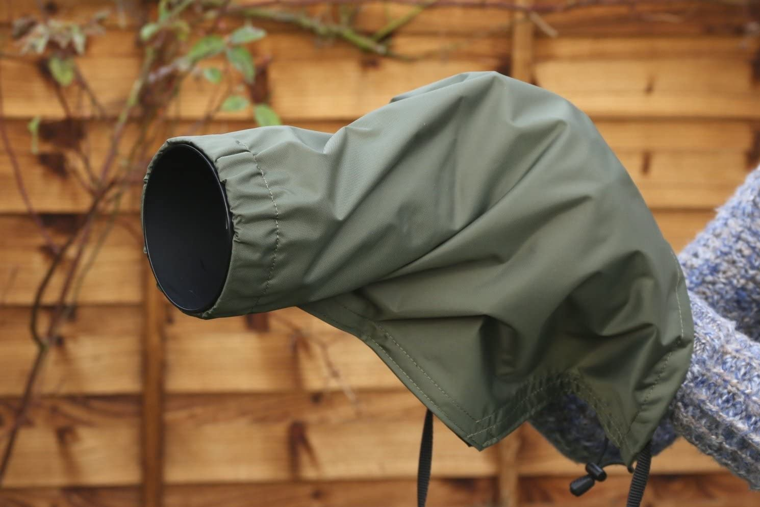 Black Rain//Dust Camera Lens Cover For Nikon 70-300 F4.5-5.6 VR,OLIVE Green or BLACK Nylon Waterproof /& Carry Pouch