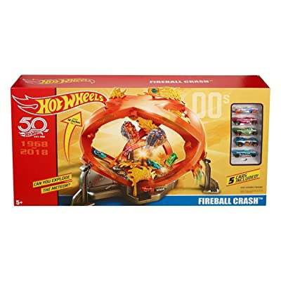 Hot Wheels 50th Anniversary Throwback Fireball Crash Playset: Toys & Games