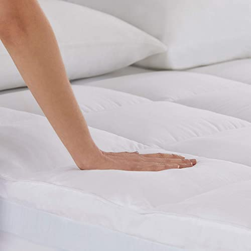 Fiberfill comfort layer provides a pillow-like experience to users