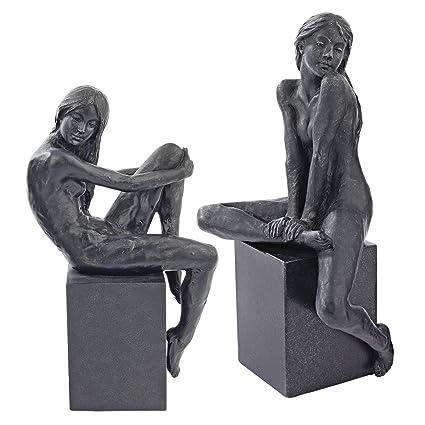 nude-amazon-figurines