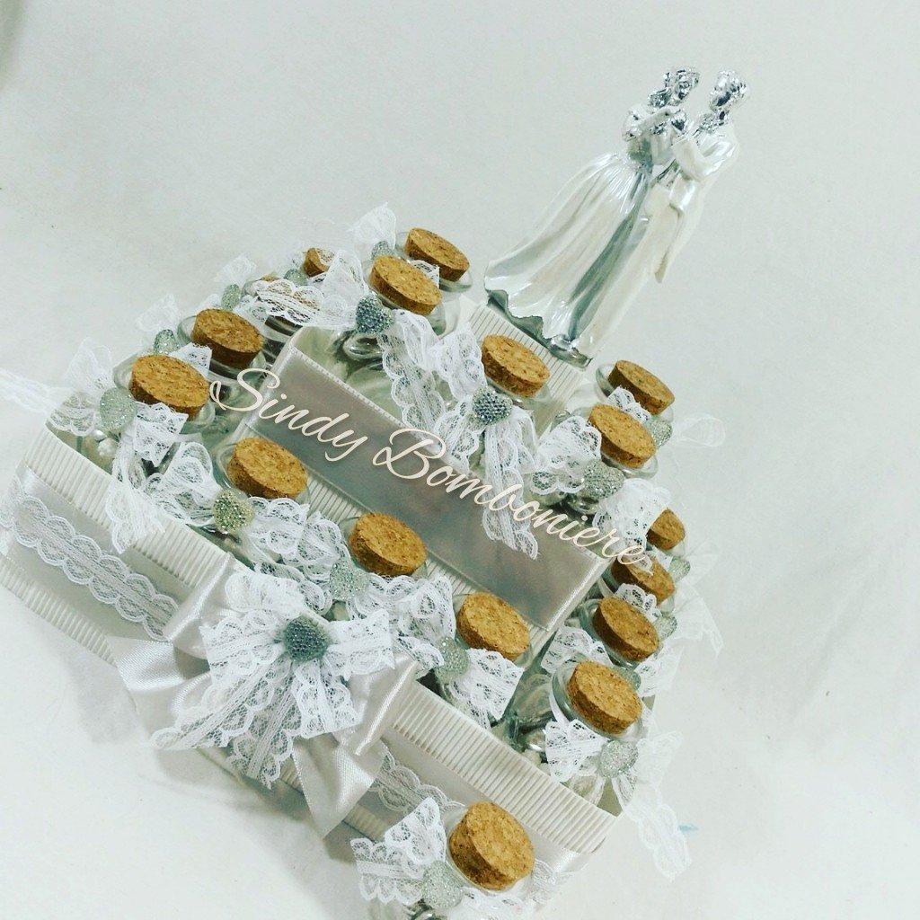 Gastgeschenk Tischkarte Torte Töpfe auf Amphore Hochzeit Jahrestag verziert mit Bändchen Torta da 24 bomboniere + centrale