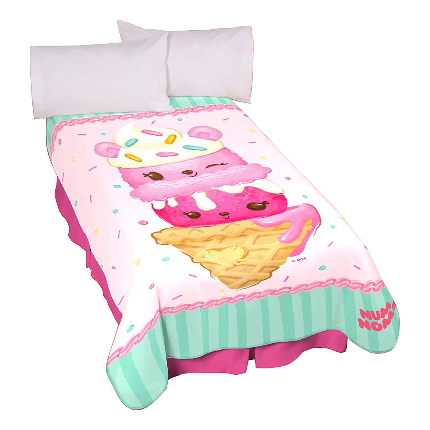 MGA Num Noms Happy and Yummy Blanket   B075Y7ZHFH