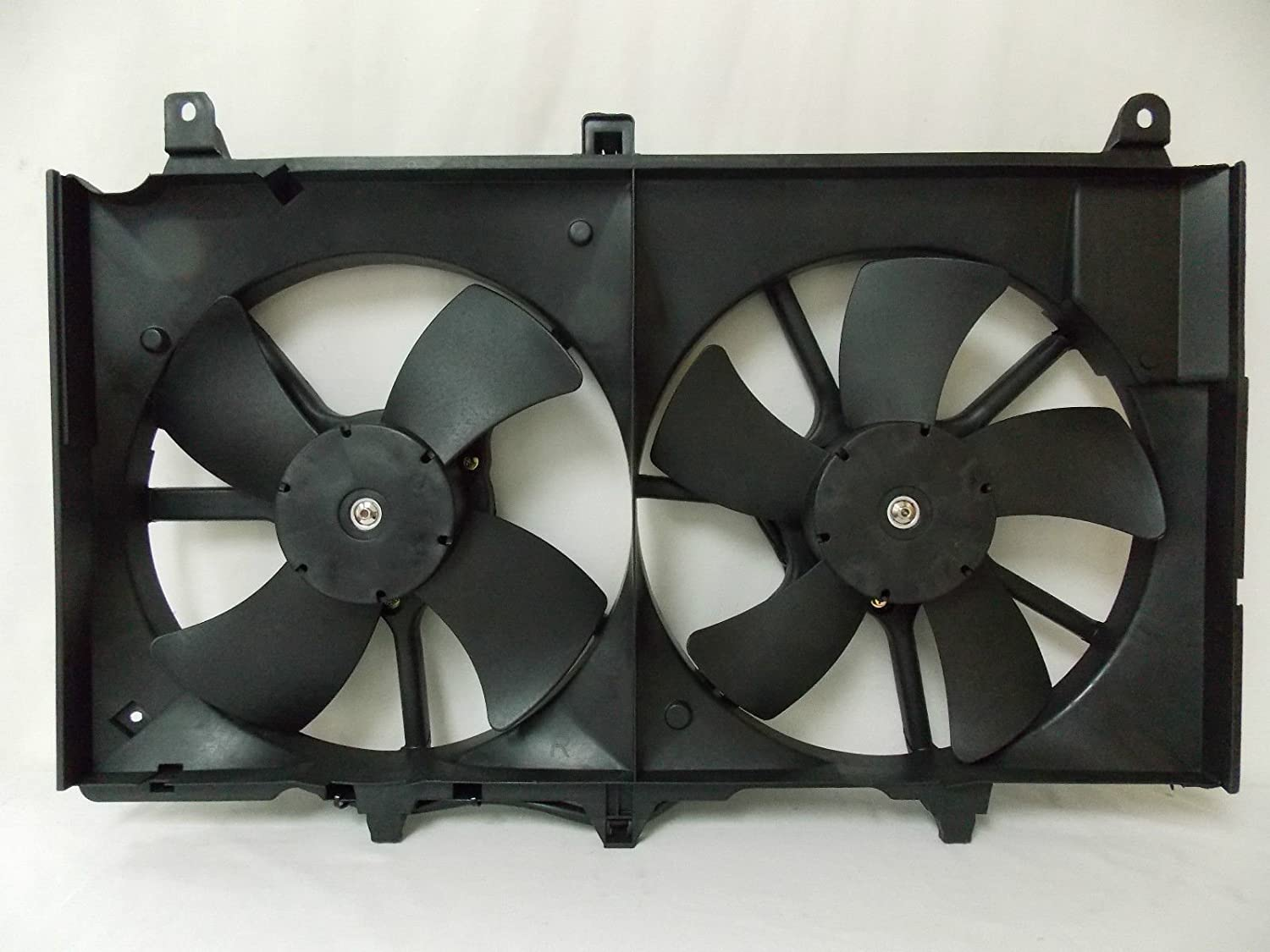 Automotive Cooling Radiator And Condenser Fan For Nissan 350Z Infiniti G35 NI3115127 100/% Tested