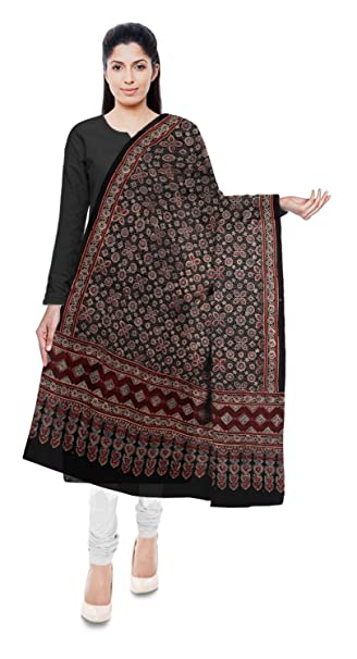 9f29ba3be4213 Ajrakh By Dr.Ismail Mohmed Khatri Gaji Silk Dupatta for Women (Black)   Amazon.in  Clothing   Accessories