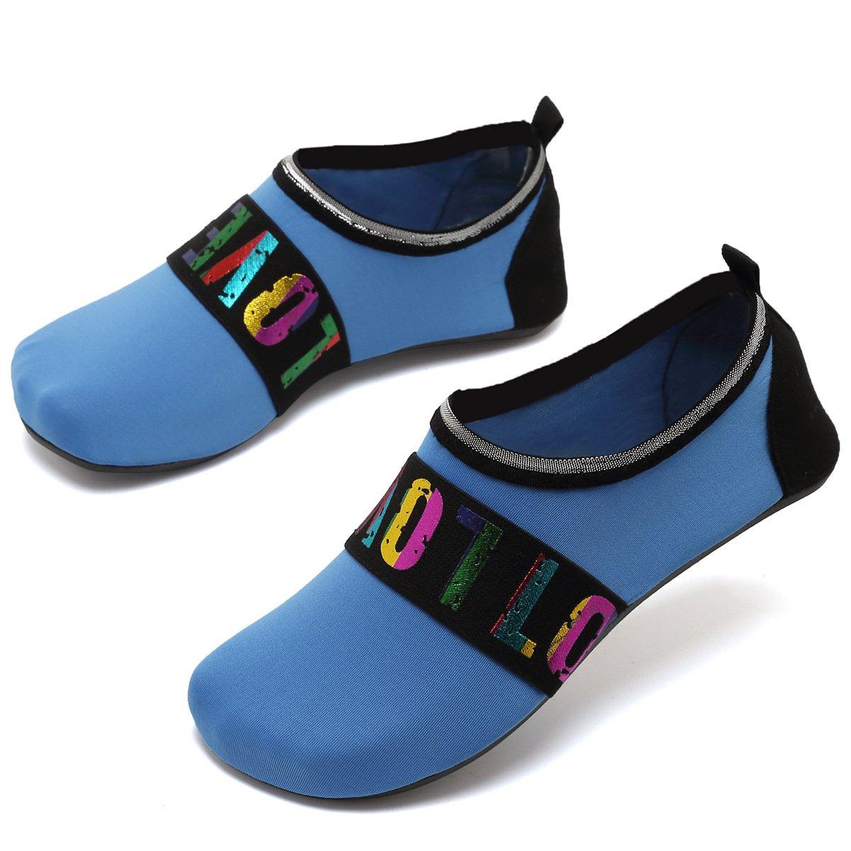 Zapatillas de deporte acuáticas VIFUUR Calcetines de yoga Aqua de secado  rápido sin cordones Slip-on para hombres Mujeres Niños Loveblue 48d001720c5