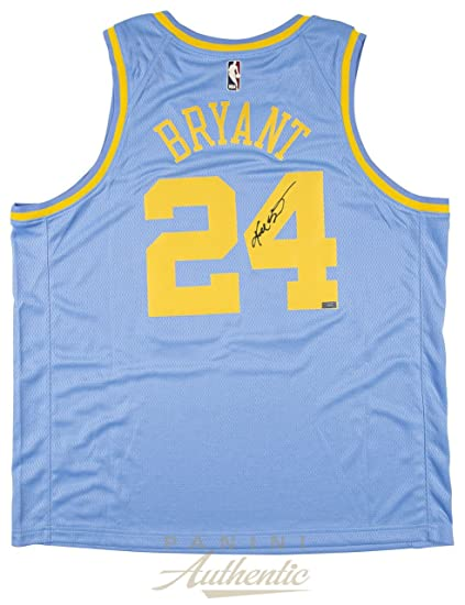online retailer e2660 538f5 Amazon.com: KOBE BRYANT Autographed Minneapolis Lakers ...