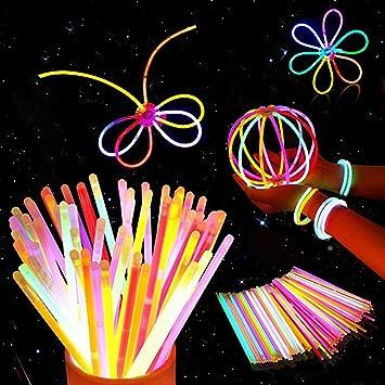 100 Pulseras Luminosas Glow Pack Glow Sticks Glow In The Dark Pulseras Premium (Colores Mezclados) - Accesorios de Neón para Niñas o Niños- pulseras, collares, una diadema, flores, una bola luminosa: Amazon.es: