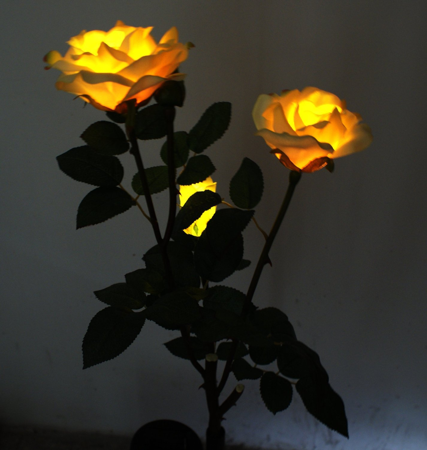 Solar-Yellow-Rose-Flower-Lights-Lamp-Solar-Powered-Garden-Outdoor-Decorative-Landscape-LED-Rose-Lights-Year-round-Great-Gift