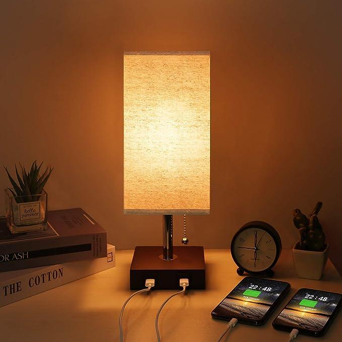 Kakanuo Lampada da Comodino USB, Lampada da Tavolo Moderna in Legno Massello con 2 Porte USB e Interruttore a Tirare, Paralume in Tessuto Beige