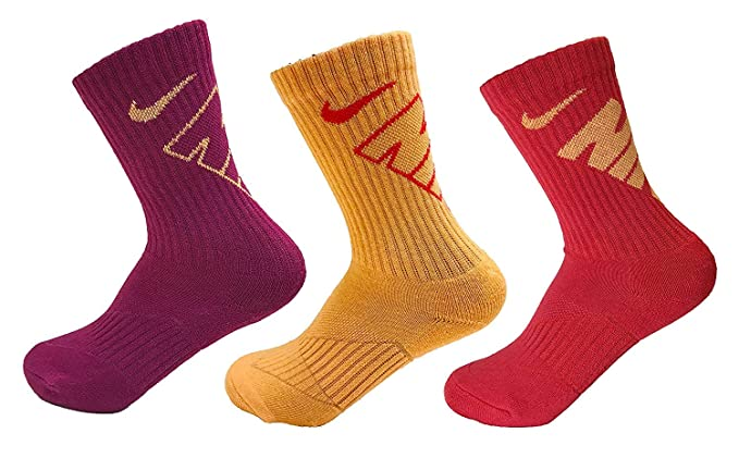 3a32bdc61 Amazon.com  Nike Kids Girls 3-Pack Crew Socks  Clothing