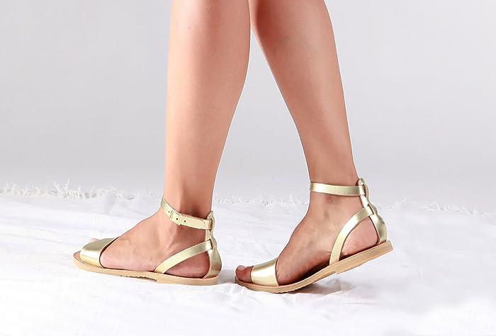 3d05f679fbbd94 Amazon.com  Women leather sandals