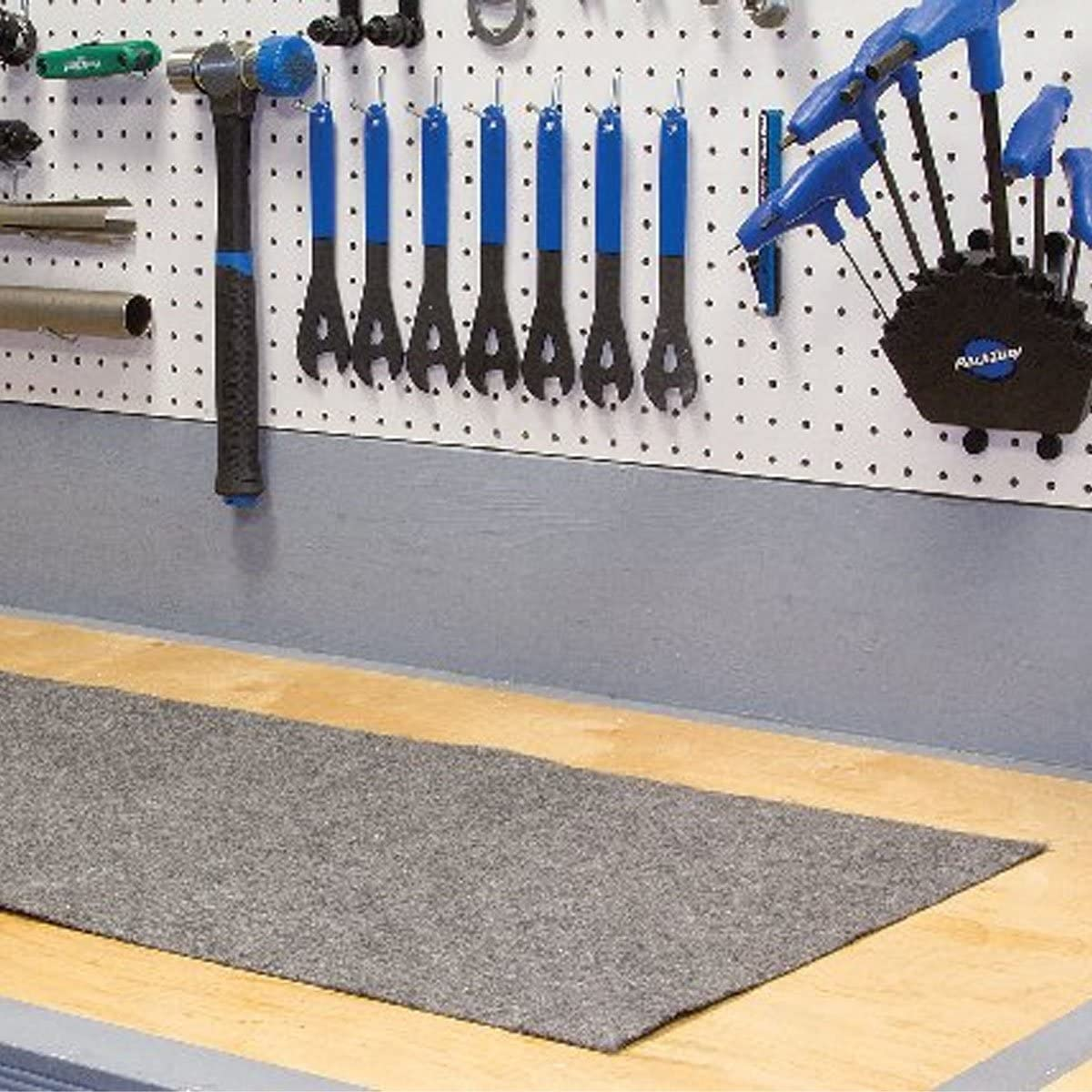 New Finish Line Absorb-It Mat Large 36 x 60