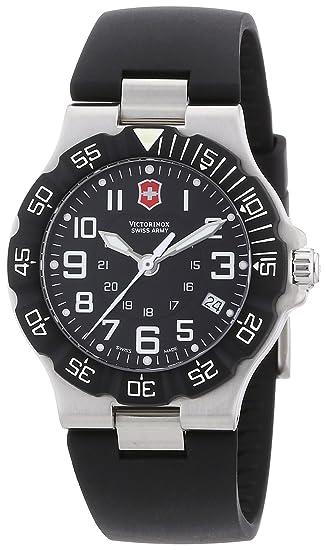 Victorinox Swiss Army Men s 241343 Summit XLT Black Dial Watch  Swiss Army   Amazon.ca  Watches 3e80e5cab3a