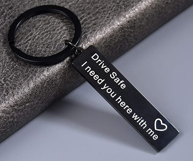 Giftale Drive Safe Keyring I Need You Here With Me Valentine S Day Gift For Trucker Husband Wife Dad Mum Boyfriend Girlfriend Bekleidung