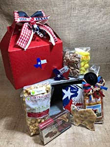 Hello Texas Food and Souvenir Gift Set Large. This box is perfect for birthday gifts, business gifts.