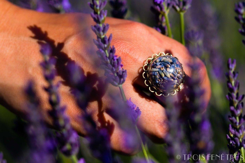 Bague en verre avec de la lavande - Bijou de fleurs naturelles séchées - Bague bohème ajustable - Cadeau de Noel
