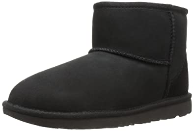 UGG Kids K Classic Mini II Pull-on Boot, Black, 1 M US