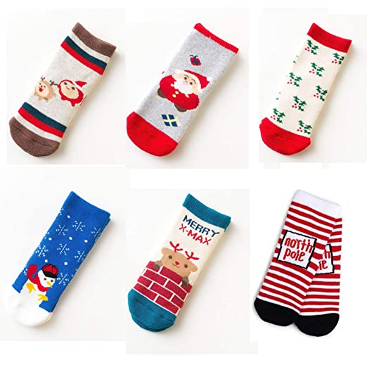 456d29b5547 Amazon.com  Kids Christmas Socks