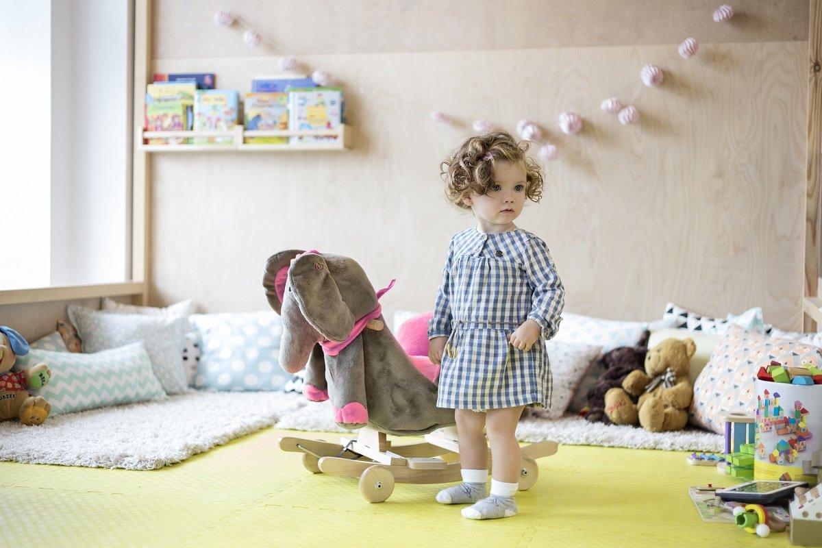 Enfant Force Balançoire Bébé Animal à bascule cheval à bascule jouet peluche  Interrupteur à bascule bois. Agrandir l image 2879b934f063