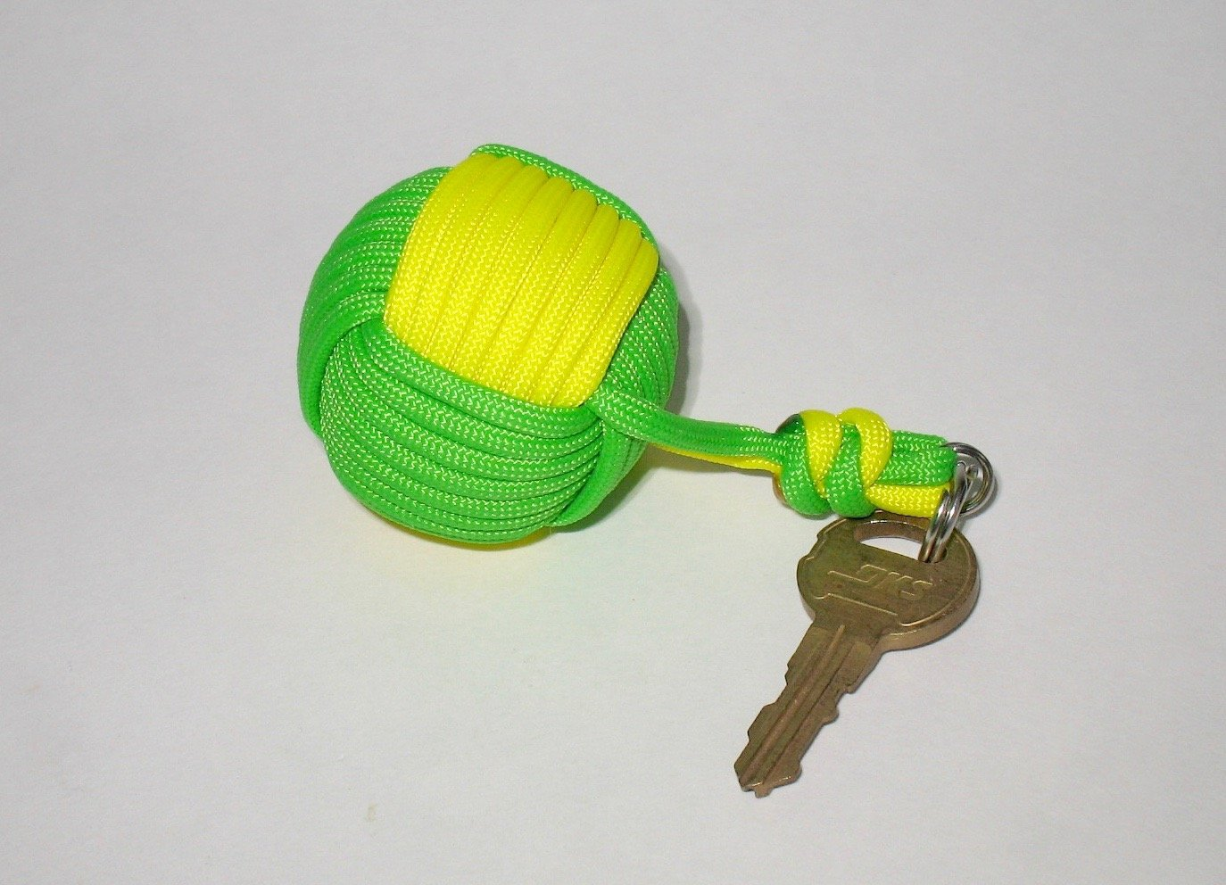 Floating Boat Key Fob 1-1/2 inch 550 Paracord Monkey Fist
