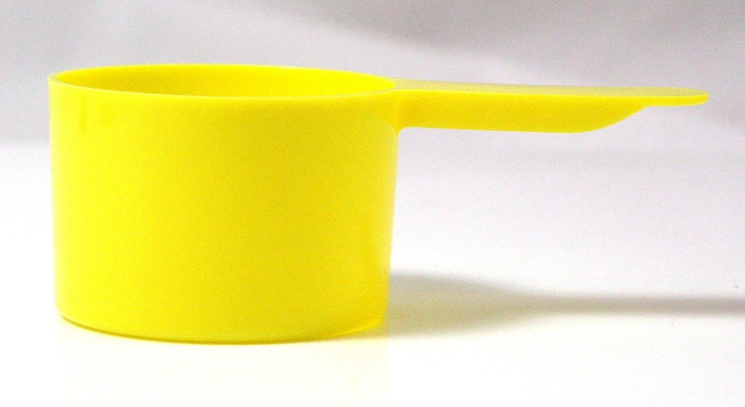 1 Ounce (30mL) Yellow Plastic Measure, Case of 1100 Mesauring Scoops