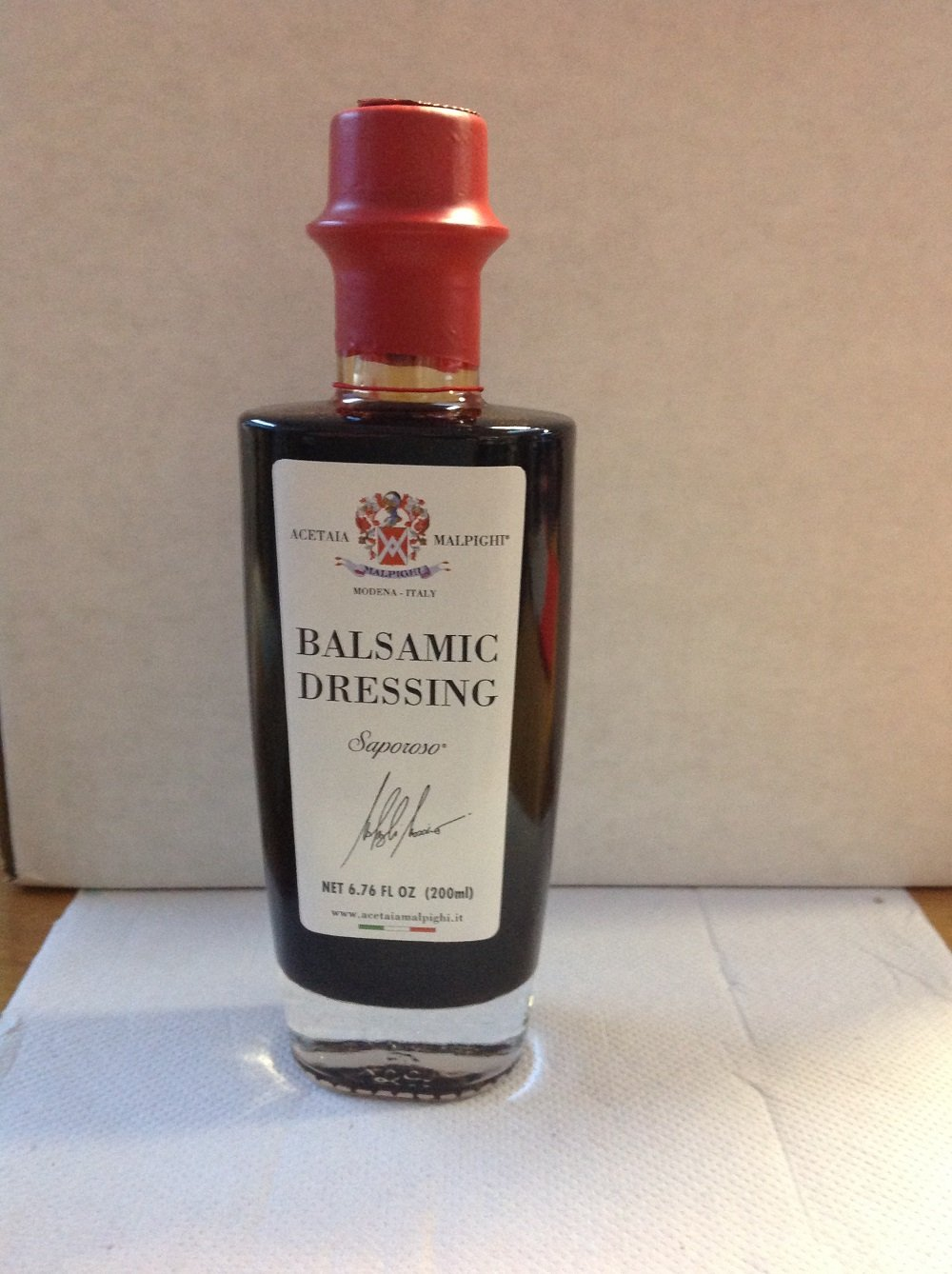 "Balsámic Dressing ""Saporoso"" 6 years old -3,4 oz. (100 ml) 2 Italian Balsamic Condiment 3,4 oz (100 ml) 6 years to mature into a oak barrel wood casks Suitable on all type of vegetables and on roast meat"