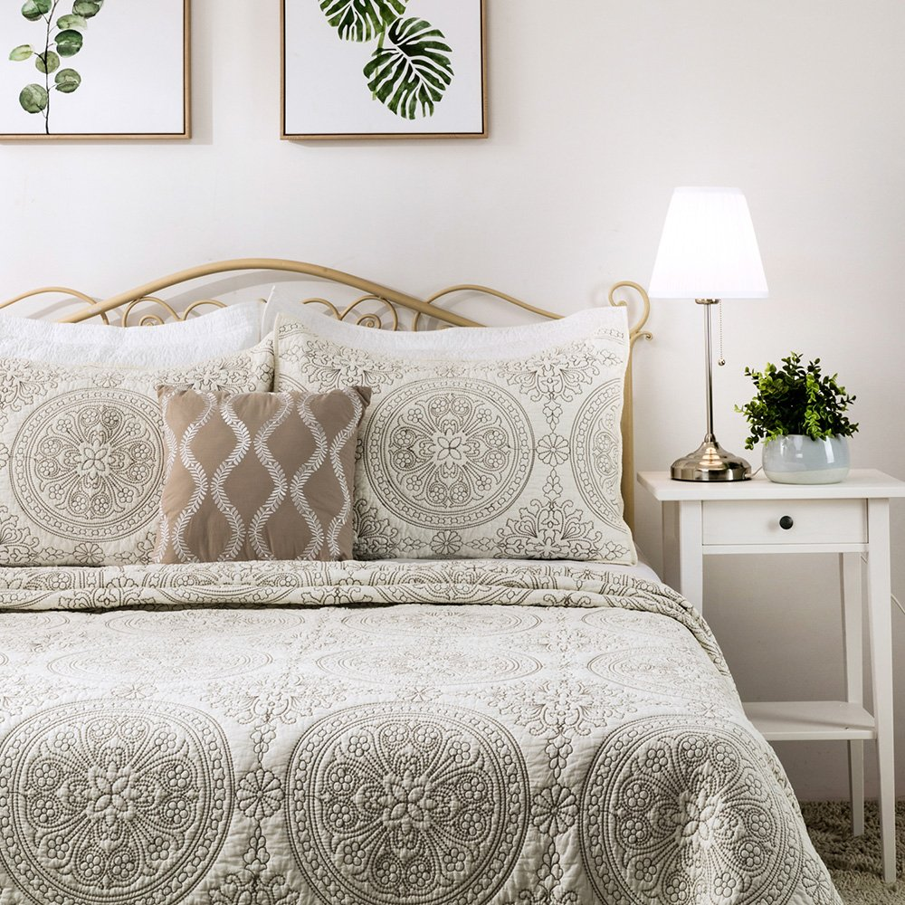 Elegant Life Reversible Medallion Embroidered Bedding Solid Cotton Quilt - Twin 65'' x 88'', Ivory