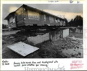 Vintage Photos 1991 Press Photo House Home Moving Oregon Gramor Development Inc orb86876
