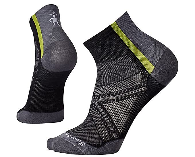 b20bfffb9 Amazon.com  Smartwool Men s PhD Cycle Ultra Light Mini Socks (Black ...