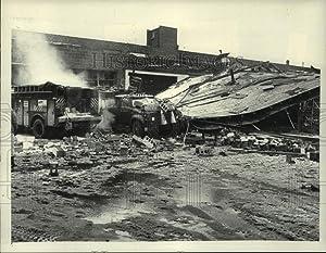 Historic Images 1981 Press Photo Niagara Mohawk Explosion, Broadway, Albany - tua08402