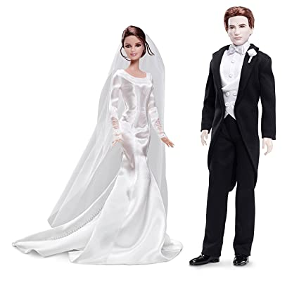 94f8ae6b5ac Amazon.com  Barbie Collector TWILIGHT  Breaking Dawn Part 1 - BELLA    EDWARD WEDDING DAY Dolls  Toys   Games