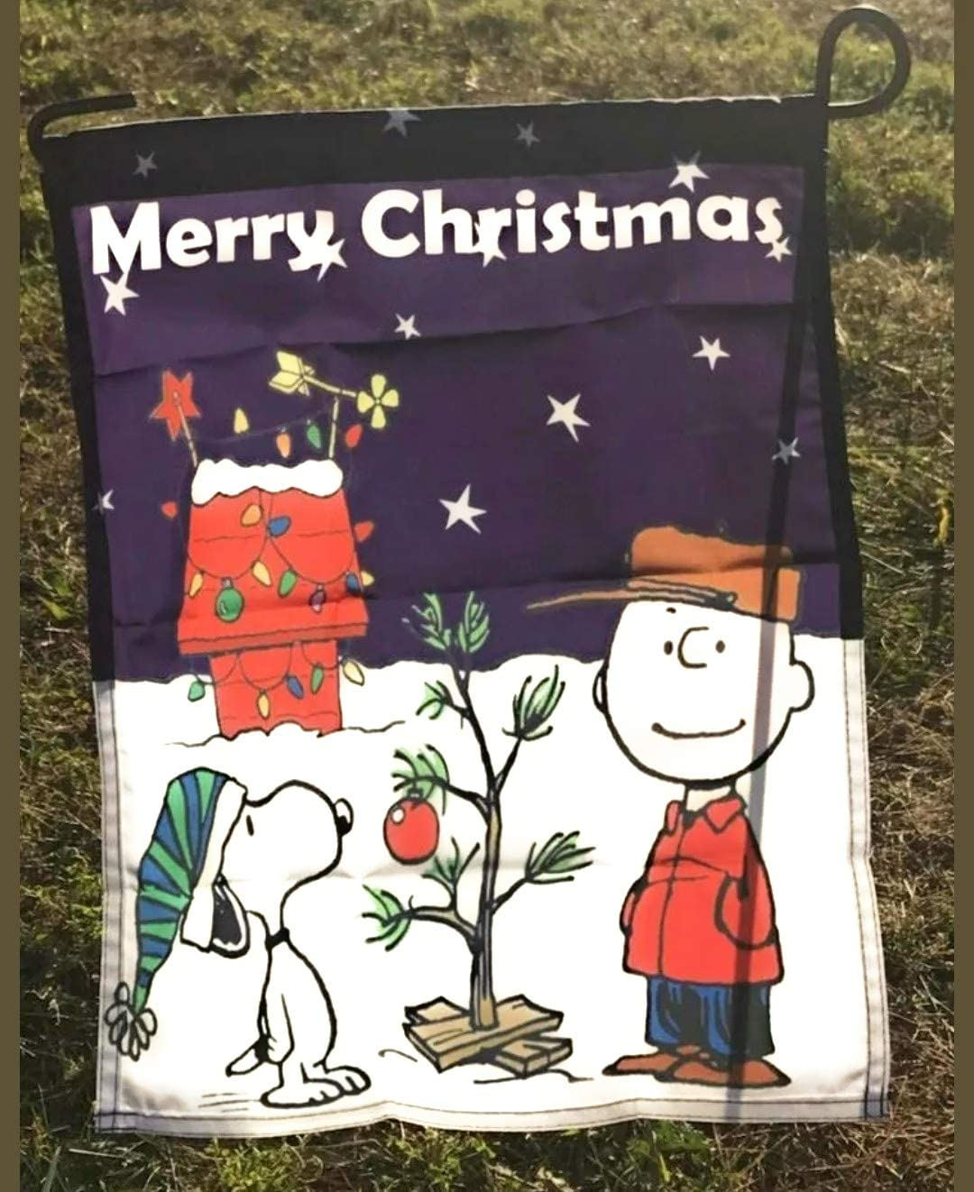 Snoopy Peanuts Charlie Brown Holiday Merry Christmas 14 x 18 inches Garden Flag