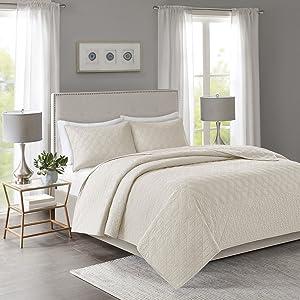 Madison Park Linnette 3 Piece Reversible Quilt Set Coverlet Bedding, King/California King, Cream