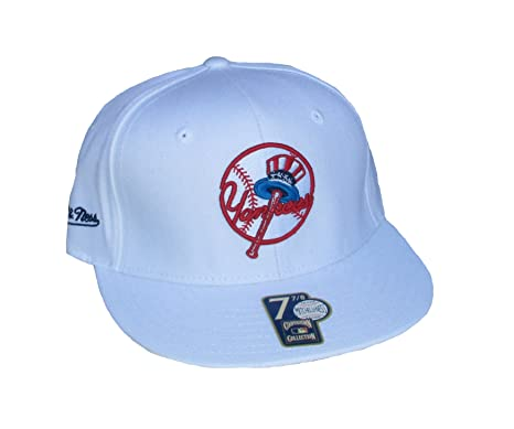 9b19e865f31 Image Unavailable. Image not available for. Color  Genuine Merchandise New  York Yankees Fitted ...