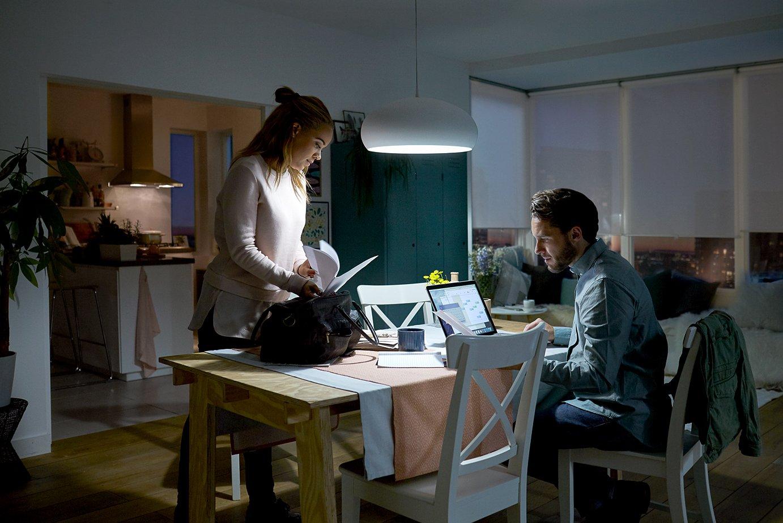 Delightful Einfache Dekoration Und Mobel Sceneswitch Von Philips #13: Philips 2-in-1 LED Lampe SceneSwitch Ersetzt 60W, EEK A+, E27 Standardform,  Dimmen Ohne Dimmer: Amazon.de: Beleuchtung